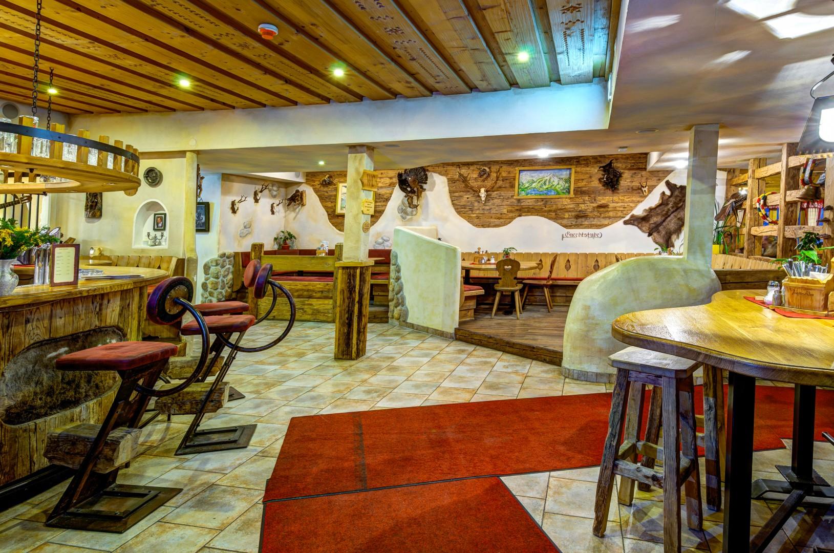 Uriges Restaurant in der Skihütte der Jaga Alm